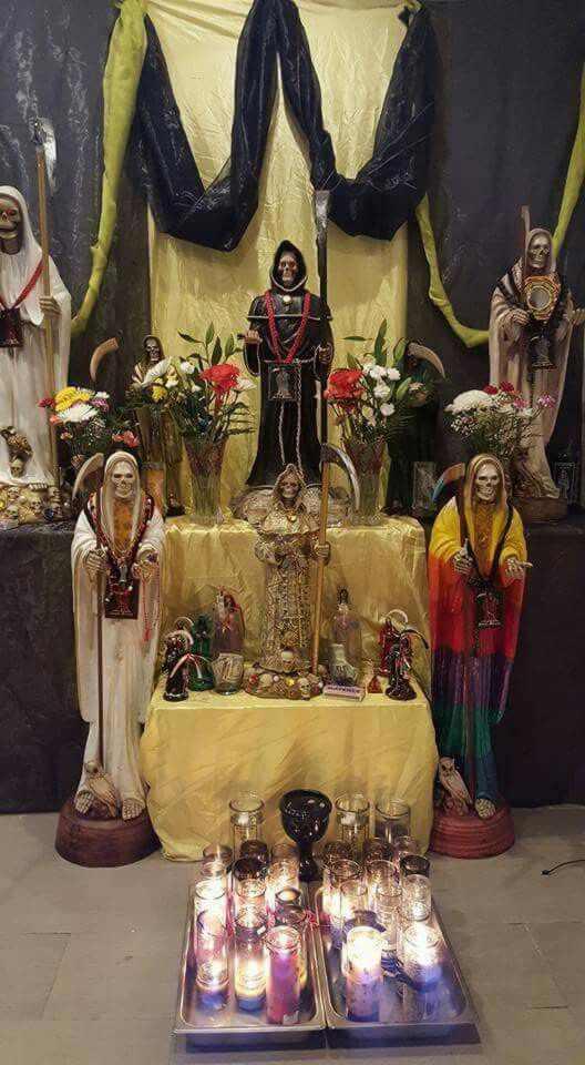 ofrendas-ala-santa-muerte